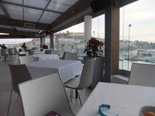 カヴァラ_ホテルで朝食 (1)