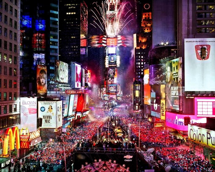 new-years-eve-photo-by-countdown-entertainment-llc_4388468_lrg_20131231183351164.jpg