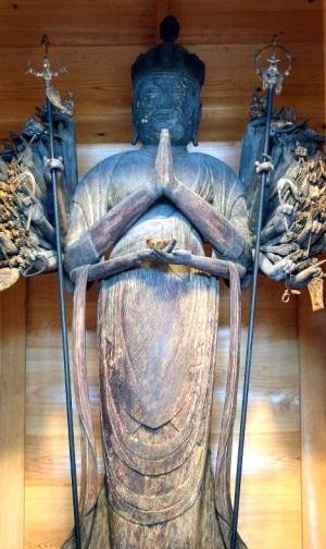 楊柳寺・千手観音像(奥の院)