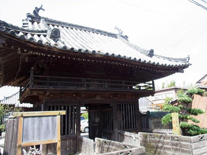松阪薬師寺 山門