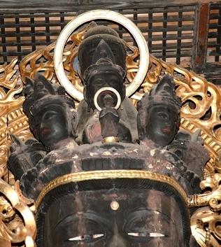 近長谷寺十一面観音立像・頭頂部