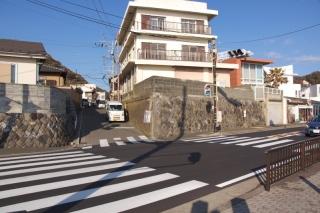 江島道:稲村ヶ崎駅入口交差点