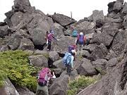 三ッ岳Ⅱ峰への登り-s