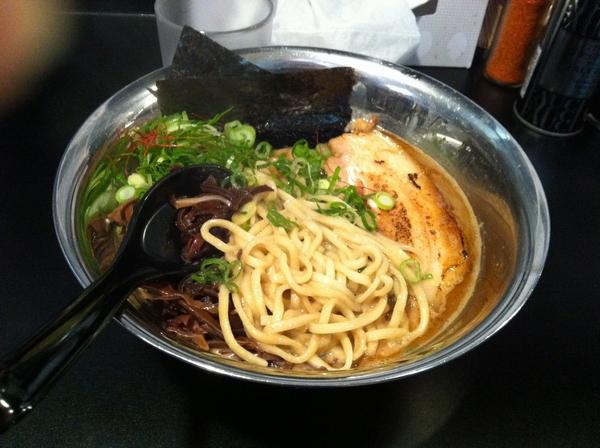 ヘルズキッチン アルティメッ豚骨・海老 麺