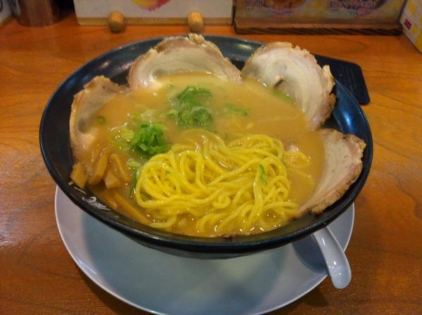 蔵八ラーメン亭 古川バイパス店 チャーシューラーメン 麺