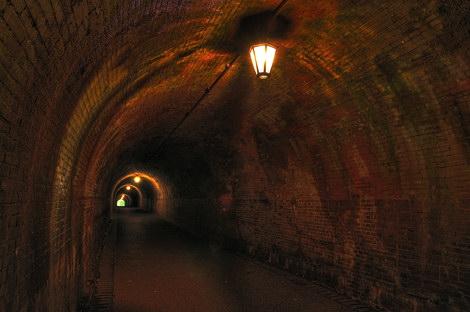 明治トンネル1