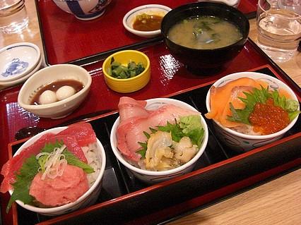 築地食堂 源ちゃん 五所川原ELM店 魚河岸玉手箱(1176円)