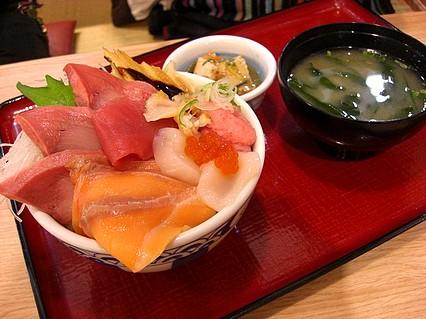 築地食堂 源ちゃん 五所川原ELM店 市場の海鮮丼(1180円)