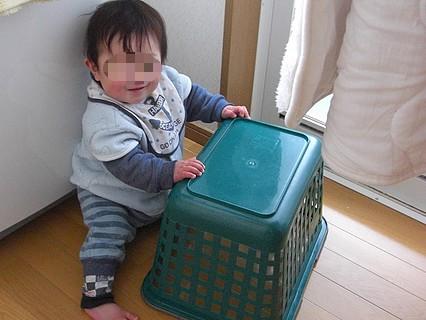 息子くん 洗濯カゴ