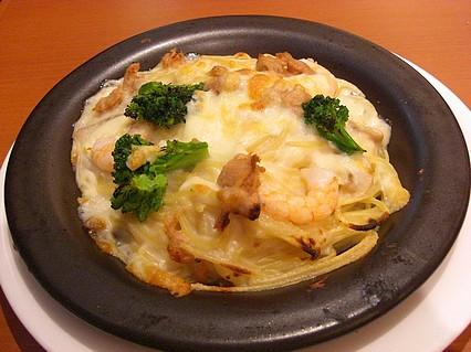 イタリアントマトCafeJr 五所川原エルム店 シーフードクリームパスタグラタン(680円)