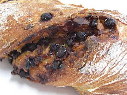 Backerei Bandebrot(ベッカライ・バンデブロート) チョコとマカダミアのリュスティック 表面
