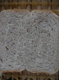 苺食パン断面