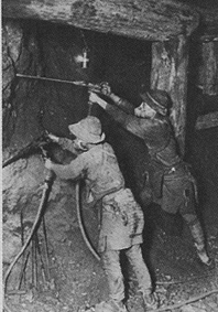 「足尾式」と呼ばれた手持ち式の鑿岩機