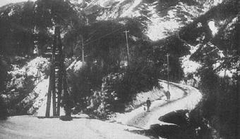 足尾の架空索道。明治36~38年の撮影