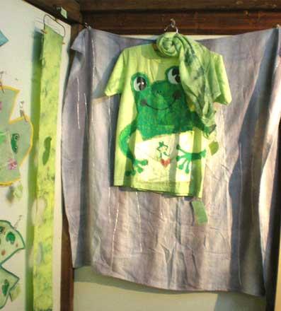 カエル手描きTシャツ