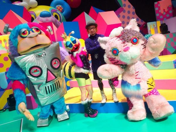 左からコングリラ,ミッツ,美術の増田セバスチャンさん,キャティー