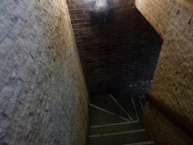 池波正太郎さんは地下ではなくって,2階で食べることが多かったようで