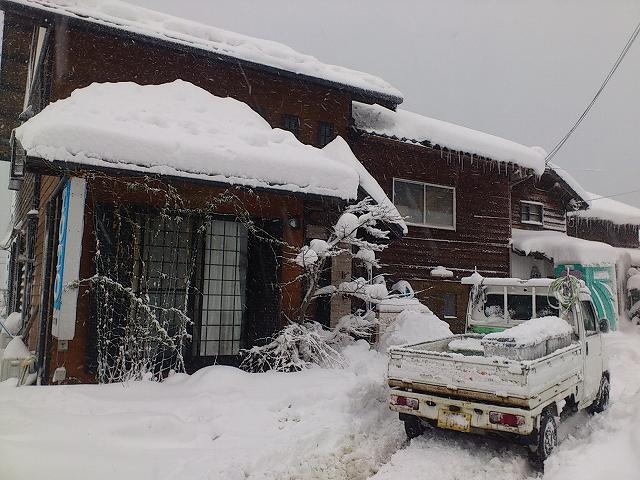 雪が積もる我が家