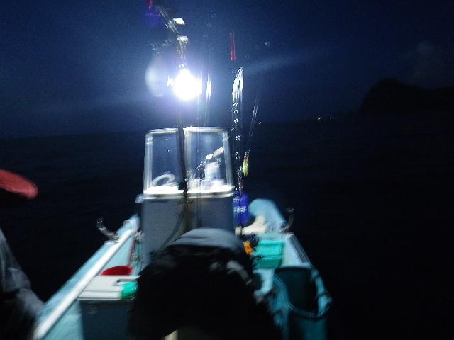イカ釣りに突入