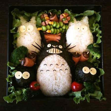 トトロ食べる