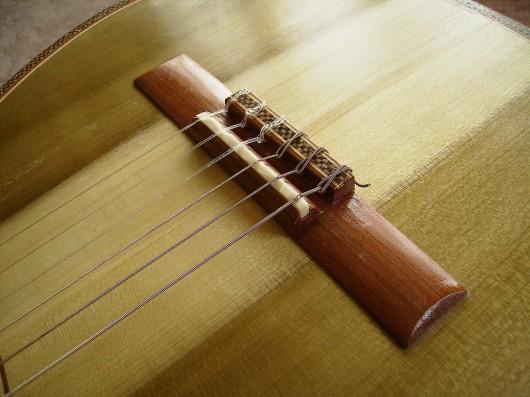 完成菊ギター第16号ブリッジ2