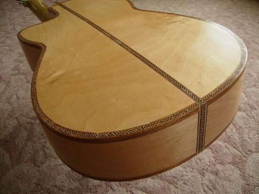 完成菊ギター第16号裏板イメージ2