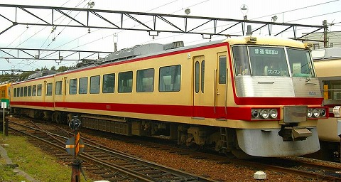 800px-Toyama-chihou-railway-16011.jpg