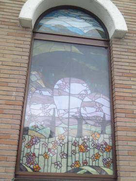 ★城山西小学校のステンドグラス