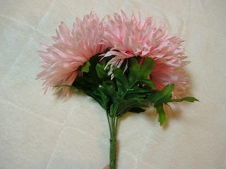 四輪一体の造花