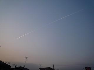 飛行機雲100222-1