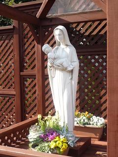カトリック上野毛教会マリア像100228-2