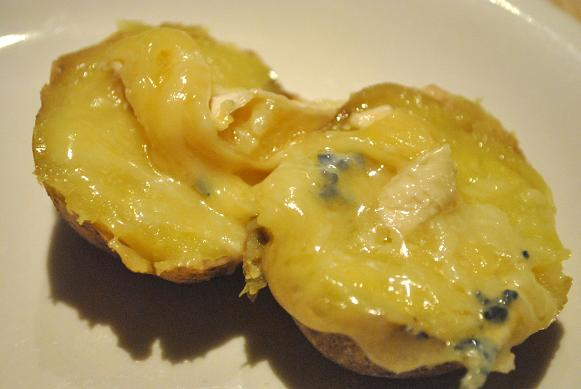 ブルーチーズとポテト半分