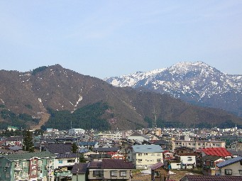 春の坂戸山・金城山
