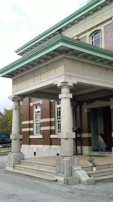 旧古賀銀行入り口
