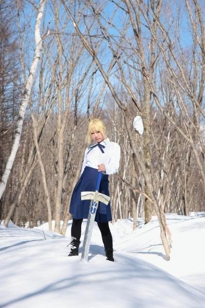 雪の中のセイバー私服^^