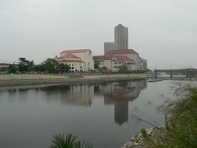武庫川景観宝塚大劇場