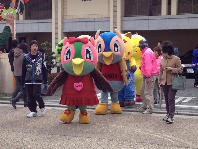 4月7日つづき⑤宝塚市小浜宿まつり着ぐるみ