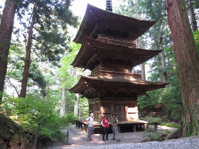 IMG_1056●光前寺の3重の塔です
