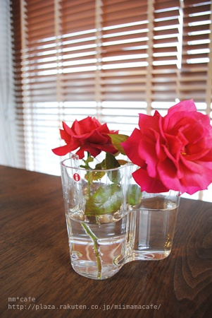 バラとフラワーベース