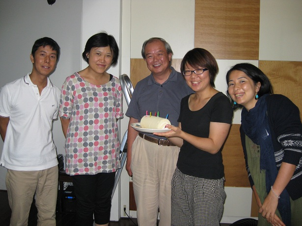 森山さん誕生日集合写真