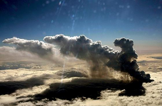 Eyjafjalla_volcanosmoke.jpg