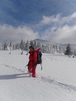 乳頭山バックに2011-01-01 11-48-49_0170[1]