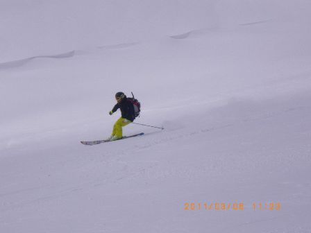 ANDOさん滑降写真