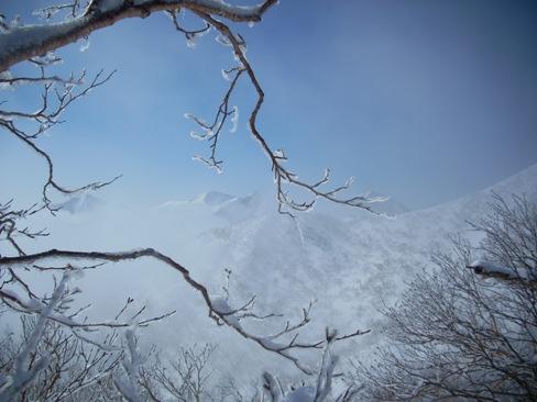 オムシャヌプリと十勝岳方面