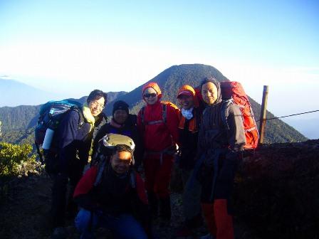 グデ山山頂