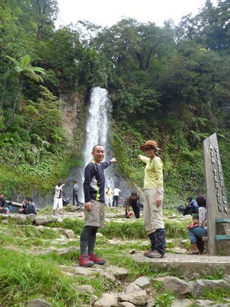 チベウレウムの滝