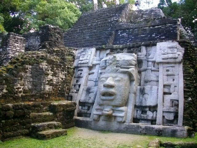 仮面の神殿