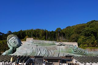 320px-Reclining_Buddha_statues_of_Nanzoin.jpg