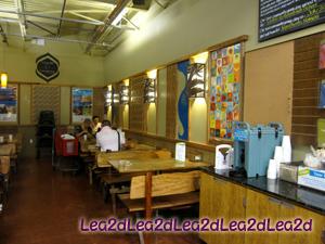 2010年8月 Whole Foods Market Hawaii(Honolulu)ハワイのホールフーズマーケットで買う。デリで朝食