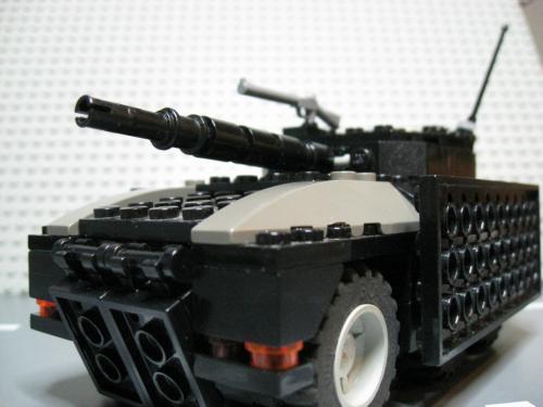 ヘリ+装輪戦車 001